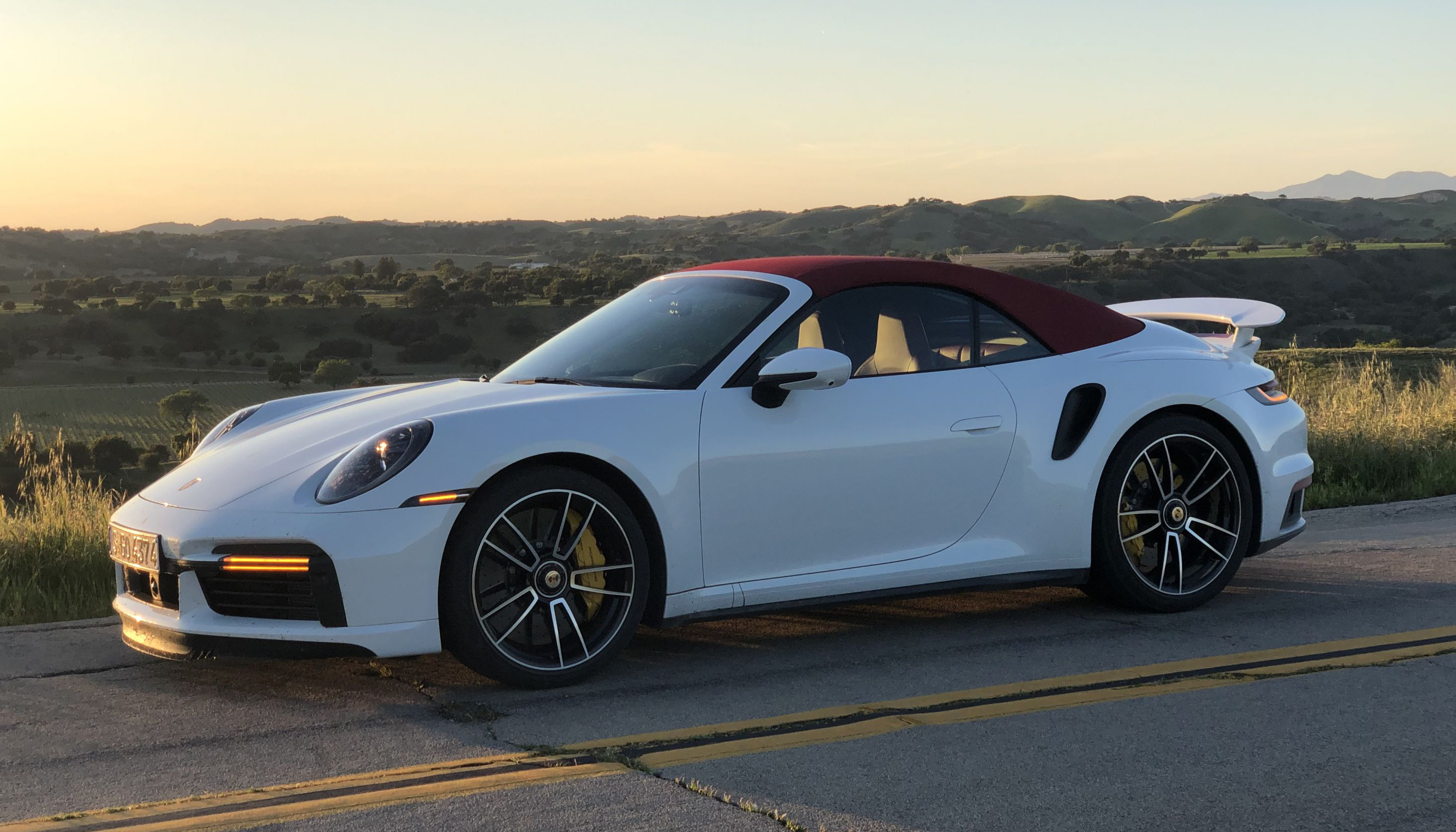 8. Porsche-911-Turbo-S-Review-15